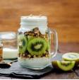 Mix di cereali, yogurt e Kiwi Hayward