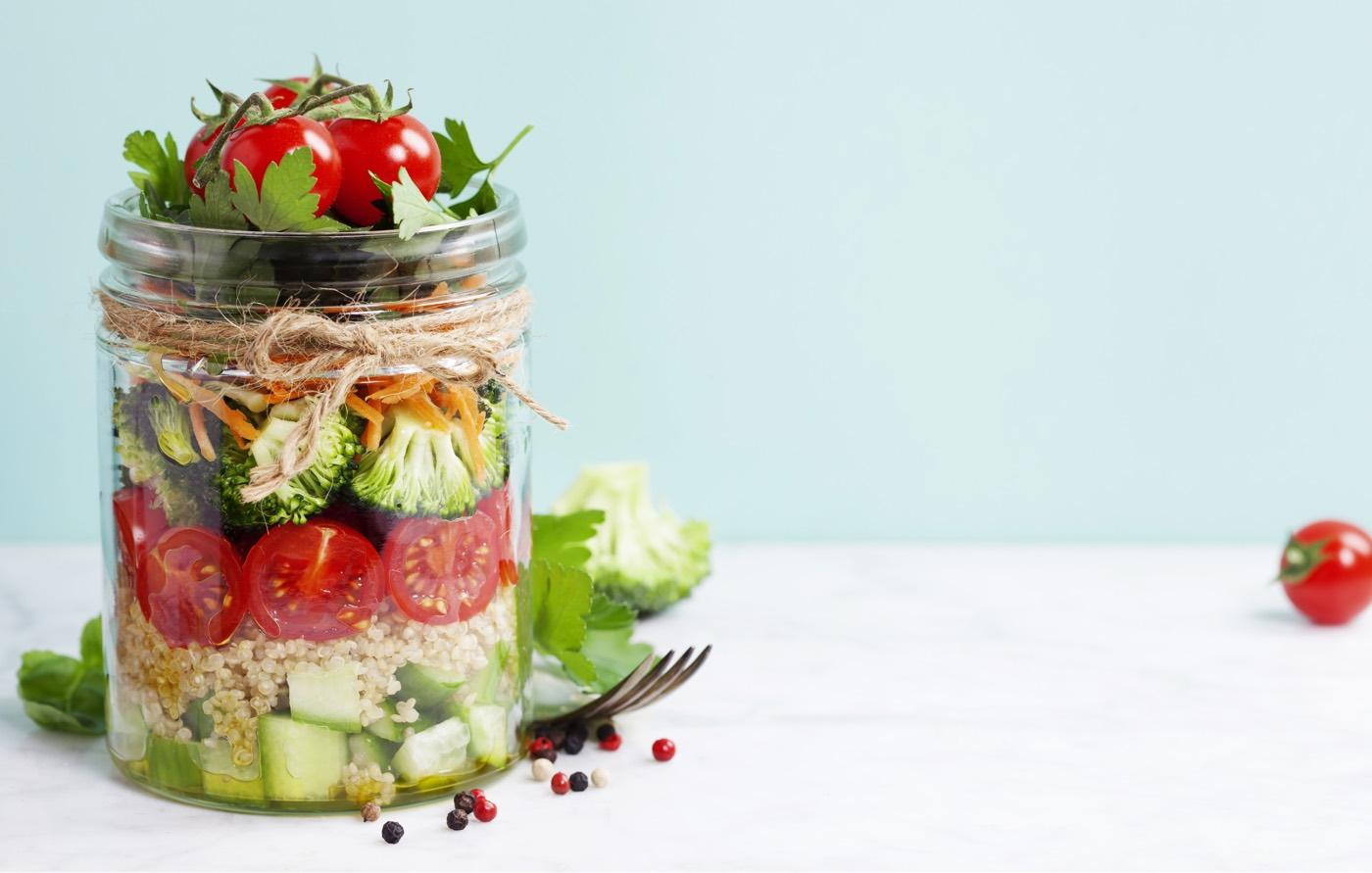 Insalata in vasetto o insalata Jar: Scopri la ricetta sfiziosa per prepararla