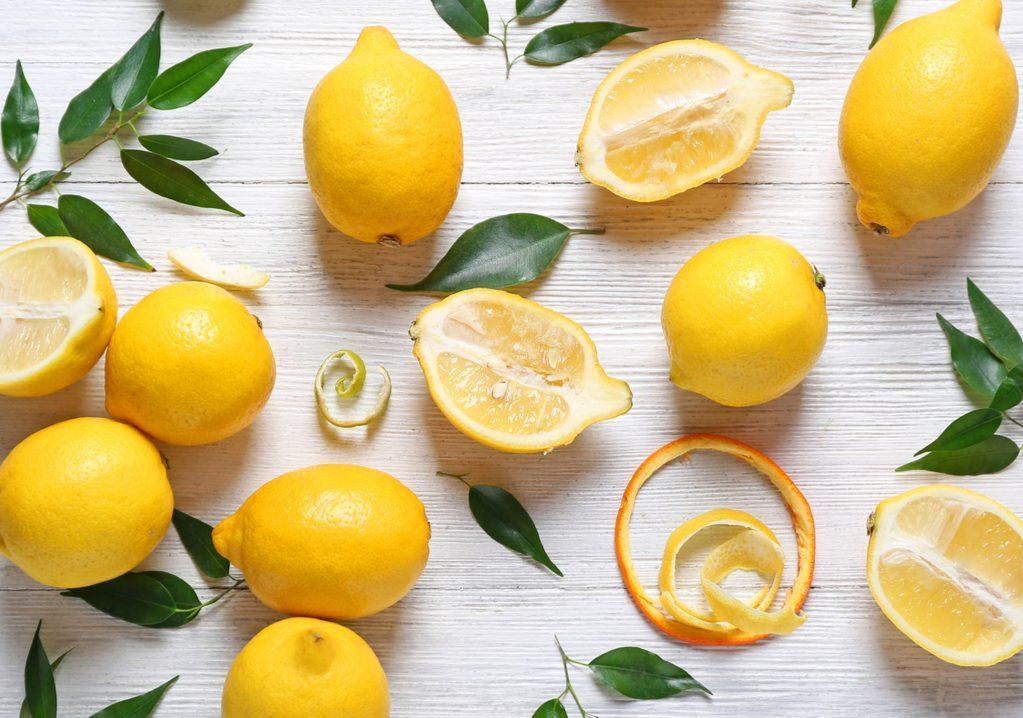 il limone dalle proprietà depurative e antiossidanti per abbassare il colesterolo