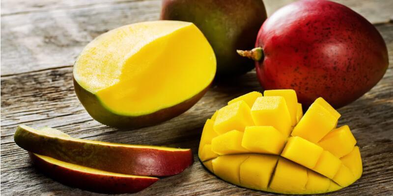 mango fresco tagliato