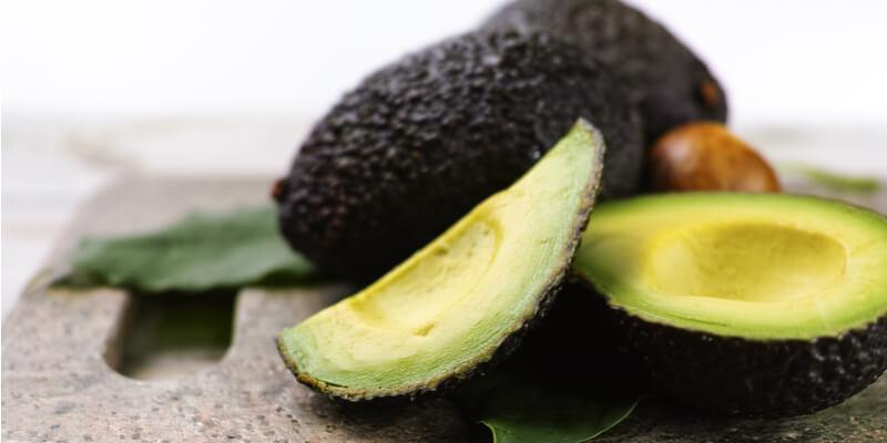 avocado tagliato fresco