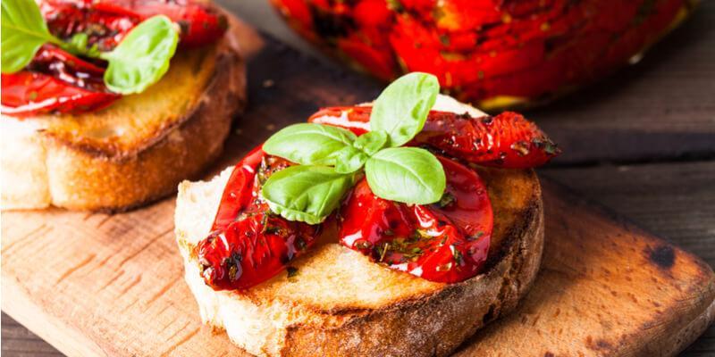 bruschetta pomodori disidratati