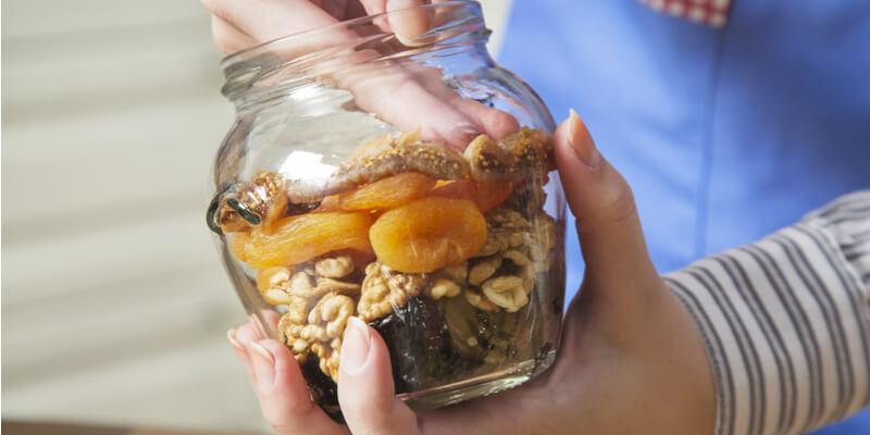 frutta secca e disidratata per rimettersi in forma