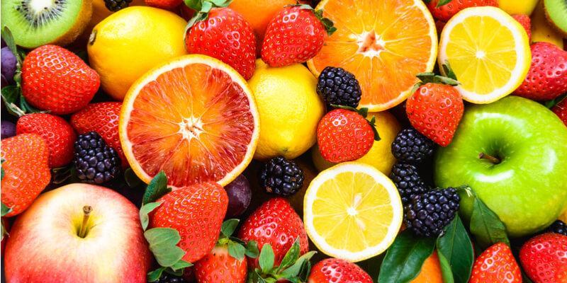 frutta primaverile fresca