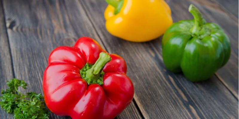 peperone verde giallo rosso