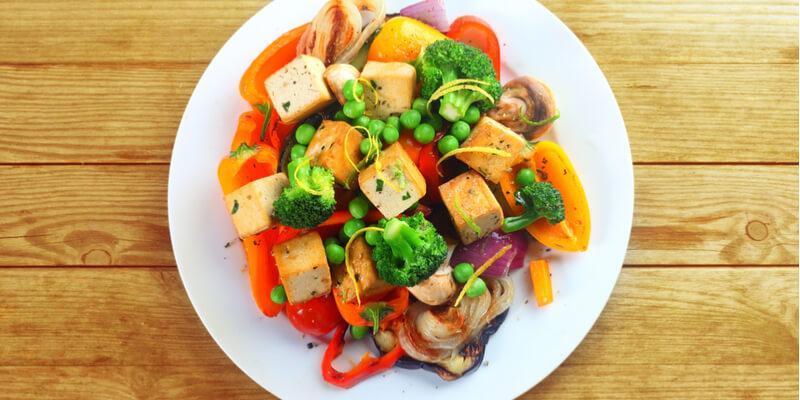 tofu e germogli di soia saltati