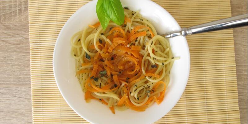 spaghetti carote e curcuma