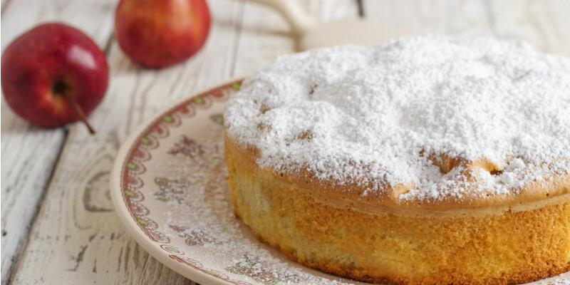 torta di mele e ricotta con zucchero a velo