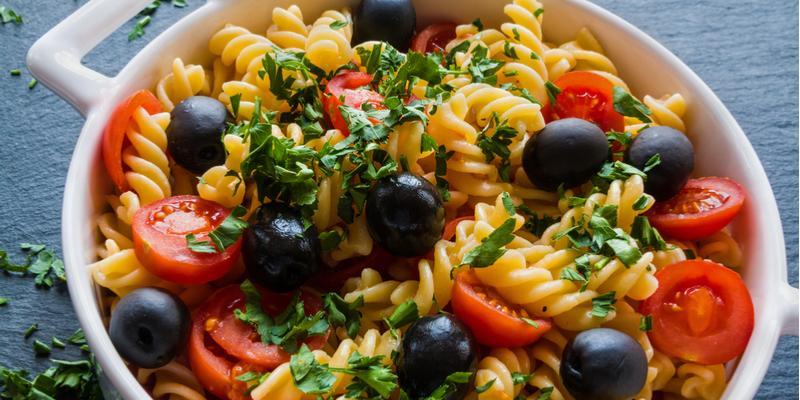 ricetta pasta fredda con olive
