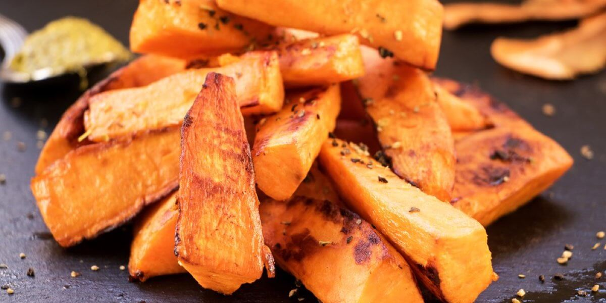 Patate dolci a pasta arancione al forno